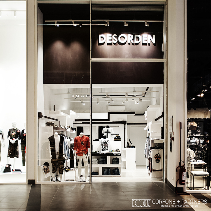 Progettazione negozio abbigliamento DESORDEN 02