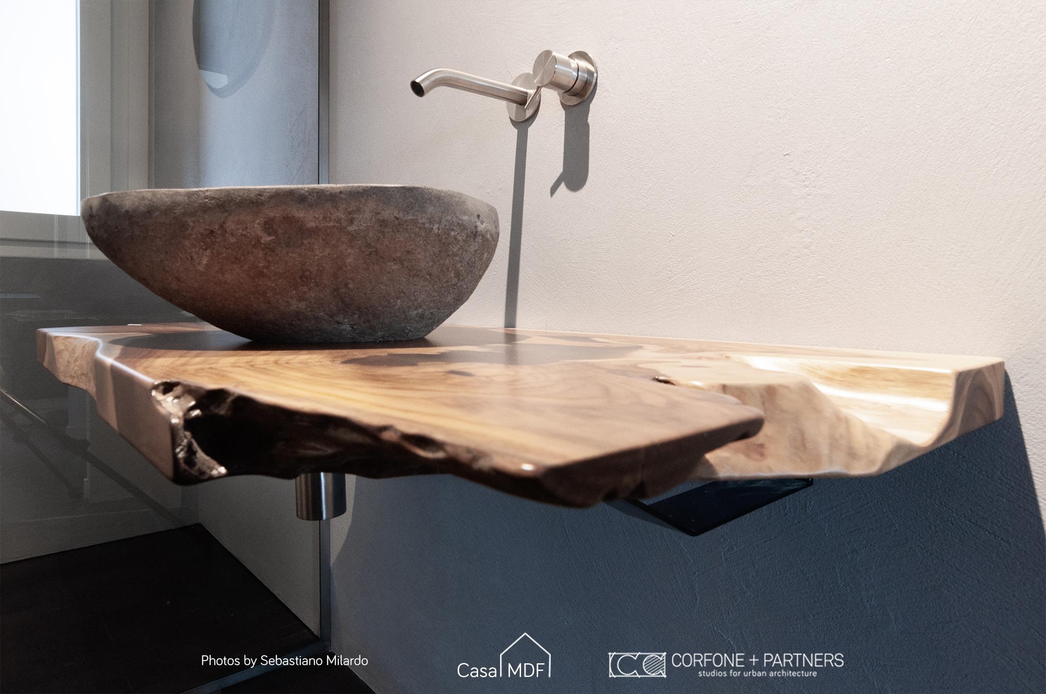 bangno di design, lavabo in pietra, top in legno